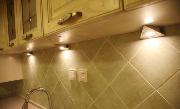 накладной светильник подсветки рабочего места для кухни