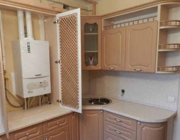 дизайн кухни с газовой колонкой в отдельно шкафу